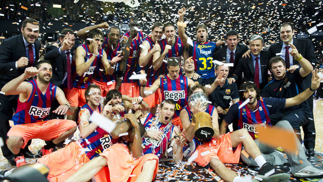 Barça Regal celebrates 2010-2011 Spanish League