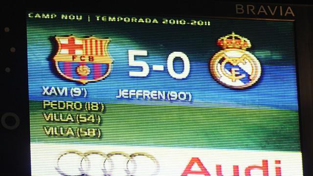 "يريدون "" اهانـه "" البارسـا .. !! FCB_-_REAL_MADRID_10"