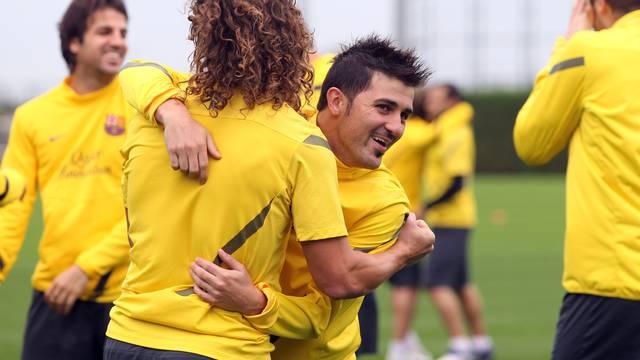 Villa i Puyol, en els rondos inicials. FOTO: MIGUEL RUIZ- FCB.