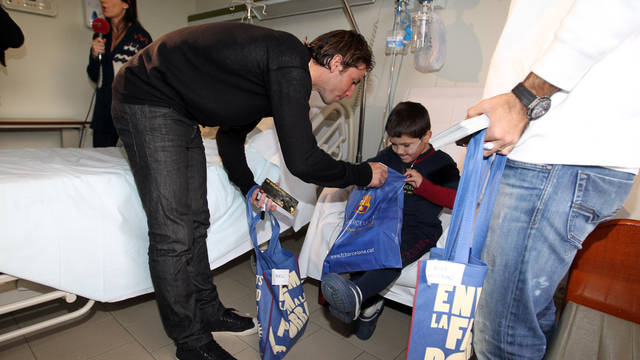Visit to local hospitals / PHOTO: MIGUEL RUIZ - FCB