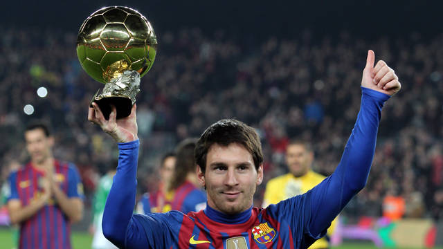 lionel messi vs cristiano ronaldo essay There was an odd moment during the ceremony last month awarding cristiano  ronaldo fifa's ballon d'or award, and it wasn't the portuguese.