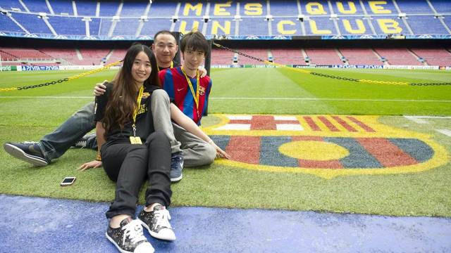 Xia Miao, Shang Yan and Xie Bin, winners of the Tencent Sport and Catalunya Turisme contest