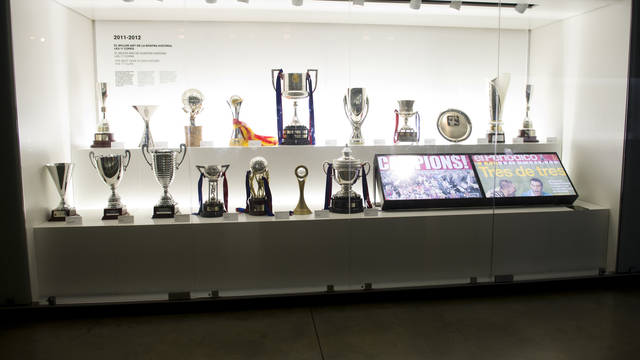 The 17 2011/12 trophie. PHOTO: LEX CAPARRS-FCB.