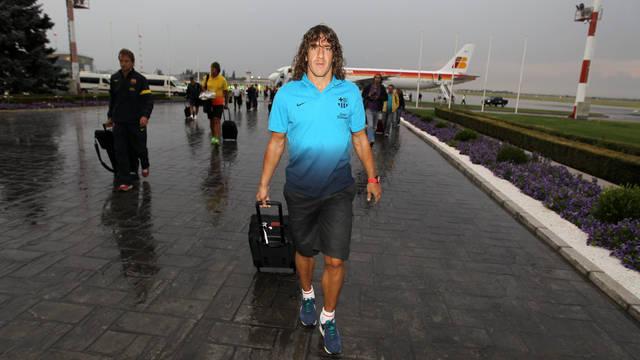 Carles Puyol, a la llegada del Barça a Bucarest / FOTO: MIGUEL RUIZ — FCB
