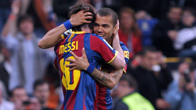 Leo Messi and Dani Alves / PHOTO: ARXIU FCB