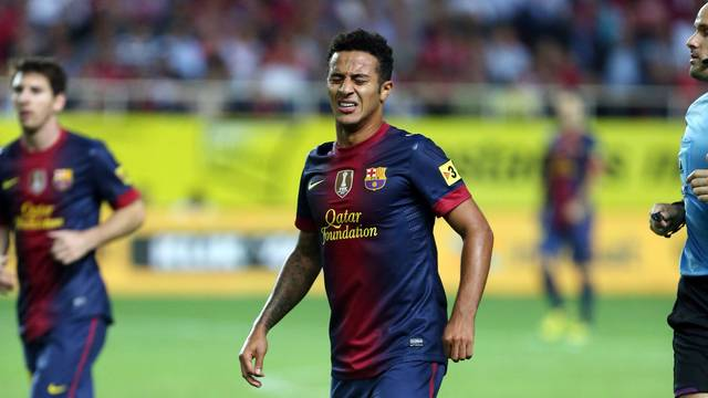 Thiago, with pain in Sevilla / PHOTO: MIGUEL RUIZ-FCB