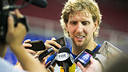 Dirk Nowitzki talks to the press / PHOTO: GERMAN PARGA - FCB