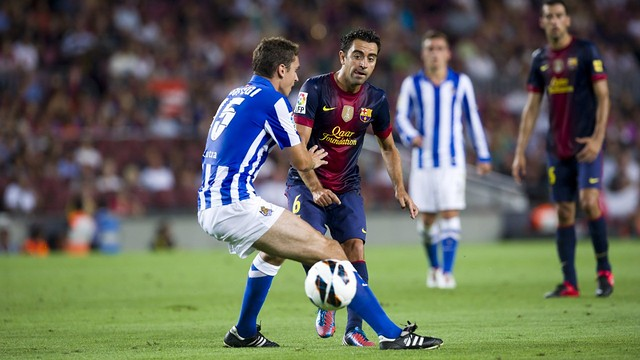 Xavi against Real Sociedad / PHOTO: ARCHIVE - FCB