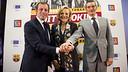 Sandro Rosell, Paola Testori i Jordi Monés, en la presentació 'Deixa de fumar amb el Barça'. FOTO: ÀLEX CAPARRÓS-FCB.