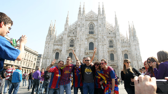 Barça fans in Milan / PHOTO: ARXIU FCB