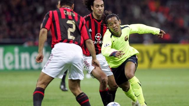 Ronaldinho, a San Siro, el curs 2000/01 / FOTO: ARXIU FCB