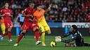 Alexis takes on Aouate (Mallorca) earlier this season. PHOTO: MIGUEL RUIZ-FCB.