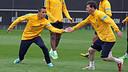 Alexis i Messi, durant l'entrenament d'aquest dijous / FOTO: MIGUEL RUIZ-FCB