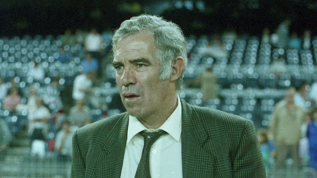 Picture of Luis Aragonés wearing a suit