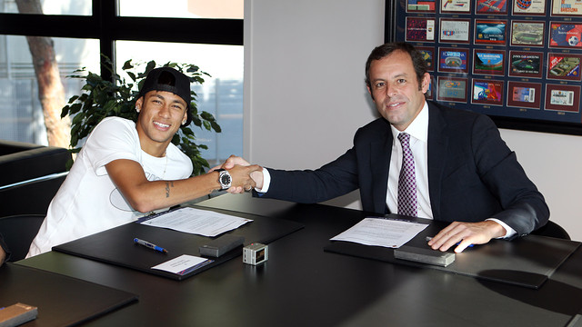 http://media3.fcbarcelona.com/media/asset_publics/resources/000/055/496/size_640x360/2013-06-03_NEYMAR_90.v1370275881.JPG