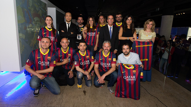The instagramers at the Camp Nou / PHOTO: GERMAN PARGA – FCB