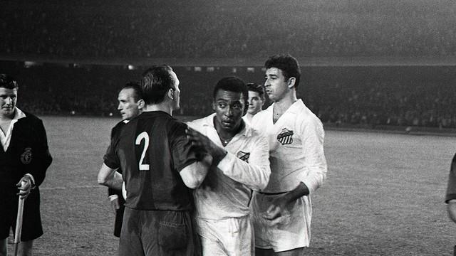 Pelé with Santos in 1963 Gamper Trophy / FOTO: ARXIU FCB