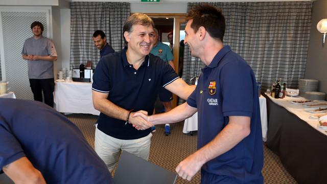 Martino greets Messi / PHOTO: MIGUEL RUIZ-FCB