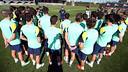 Tata Martino es dirigeix als seus jugadors / FOTO: MIGUEL RUIZ - FCB