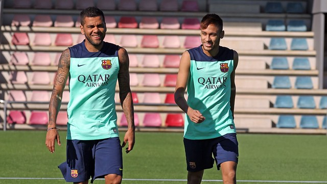 Dani Alves and Neymar in a previous session/ PHOTO: MIGUEL RUIZ - FCB