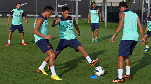 Full squad for training at the Ciutat Esportiva / PHOTO: MIGUEL RUIZ - FCB