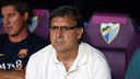 Tata Martino looks on as his men claim victory over Málaga / PHOTO: MIGUEL RUIZ - FCB