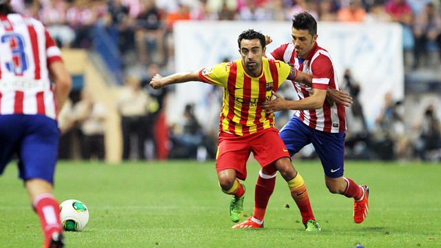 Xavi, amb l'exblaugrana Villa, que torna al Camp Nou / FOTO: MIGUEL RUIZ-FCB
