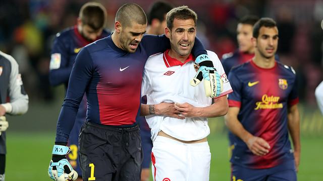 Valdés and Fernando Navarro at the Camp Nou last season / PHOTO: MIGUEL RUIZ-FCB