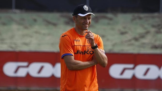 Miroslav Djukic is in his first season as Valencia boss / PHOTO: www.valenciacf.com