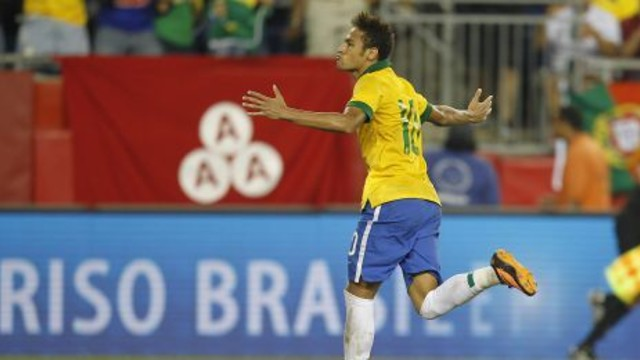 Neymar celebrates his goal for Brazil. / PHOTO: CBF