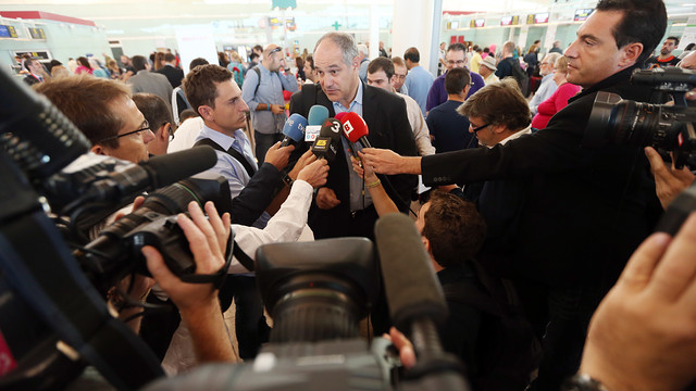 Zubizarreta, talking to the media at El Prat. PHOTO: MIGUEL RUIZ-FCB.