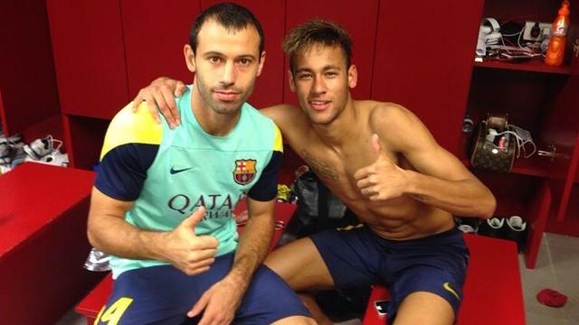 Mascherano i Neymar, al vestidor. FOTO: Twitter @Mascherano