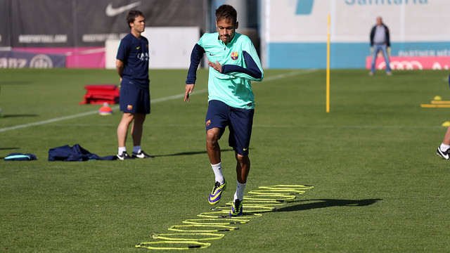 Neymar, durante el entrenamiento / FOTO: MIGUEL RUIZ — FCB