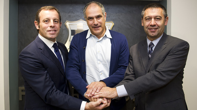 Zubizarreta renews his contract in 2012. PHOTO: MIGUEL RUIZ-FCB