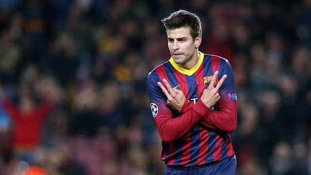 Piqué menyilangkan tangannya setelah mencetak gol yang ke-1000 bagi Barça