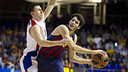 Fridzon defending against Abrines, during the game at the Palau. PHOTO: V. SALGADO - FCB