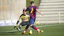 Joan Roman takes on the Mitra Kukar FC keeper. PHOTO: VÍCTOR SALGADO - FCB