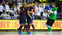 Team celebrate Ari Santos' goal against Gran Canaria / PHOTO: GERMÁN PARGA - FCB