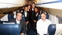 L'expedició blaugrana, a l'avió de tornada / FOTO: MIGUEL RUIZ-FCB