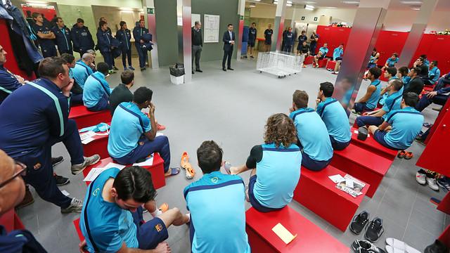 President Josep Maria Bartomeu spoke to the players / PHOTO: MIGUEL RUIZ - FCB