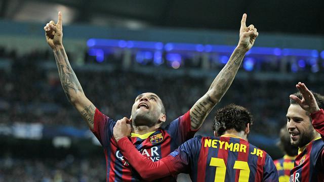 Alves celebrates his goal . PHOTO: MIGUEL RUIZ-FCB.