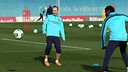 It is always a pleasure to see Iniesta on the ball. PHOTO: MIGUEL RUIZ-FCB.