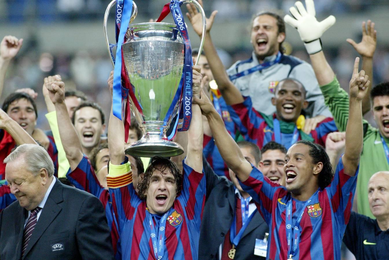 Carles Puyol és l'encarregat d'aixecar la segona Lliga de Campions