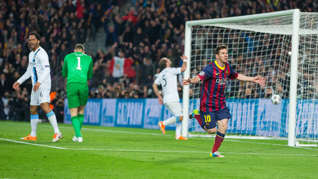 Messi celebrates whilst the City players lament the goal