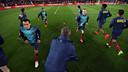 Xavi and Iniesta warming up last Sunday / PHOTO: MIGUEL RUIZ-FCB