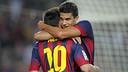 Bartra hugs Messi / PHOTO: MIGUEL RUIZ-FCB