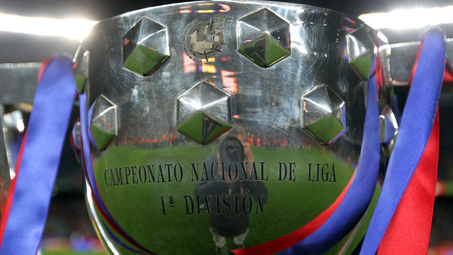 The league trophy / PHOTO: MIGUEL RUIZ - FCB