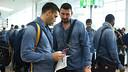 Lazarov i Sterbic, preparats a l'aeroport per marxar cap a Colònia / FOTO: VÍCTOR SALGADO - FCB