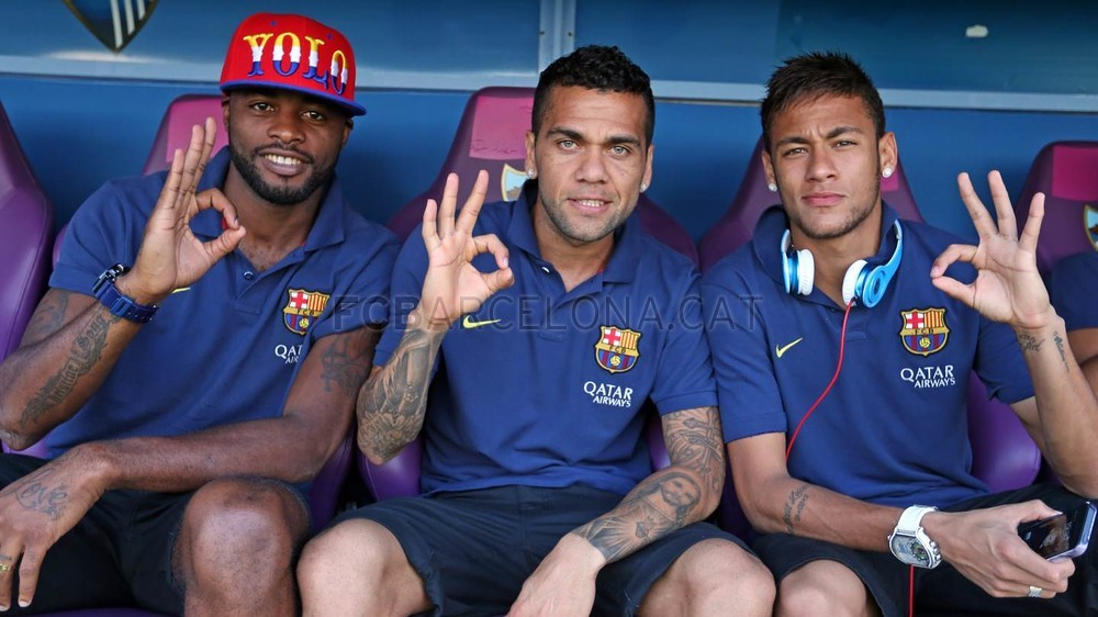 Neymar with his new teammates