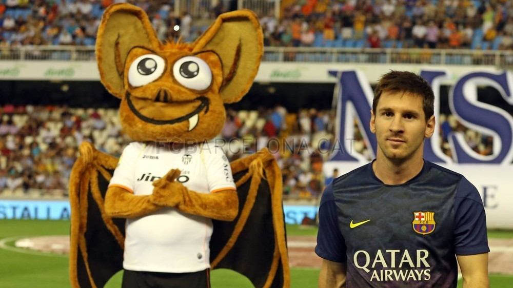 Messi and Valencia's bat
